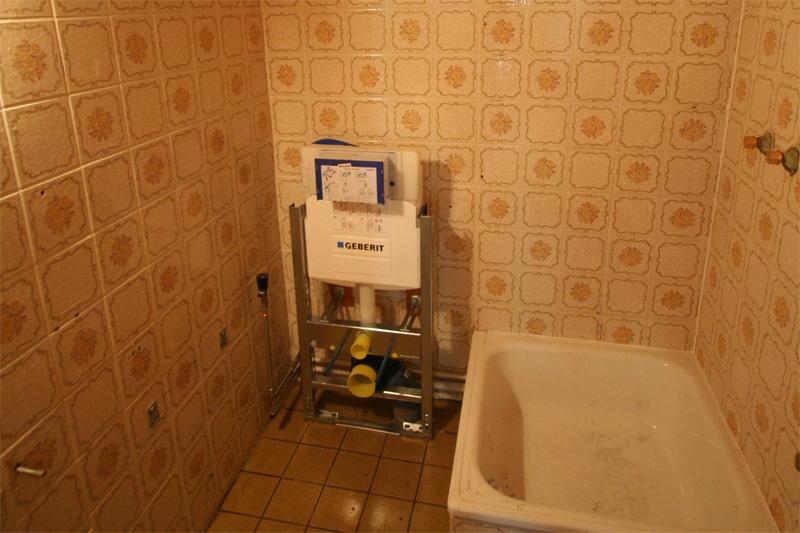 hangende toiletten de Berghut Rauris Oostenrijk pension