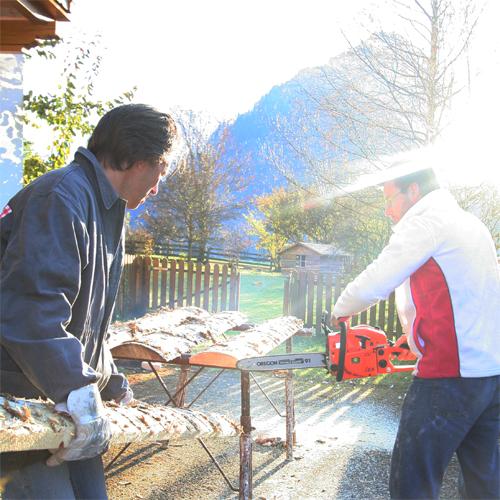 hout zagen de Berghut Oostenrijk pension Rauris