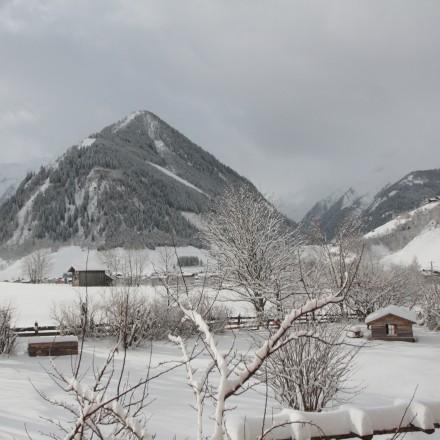 uitzicht vanuit de berghut pension Oostenrijk Rauris