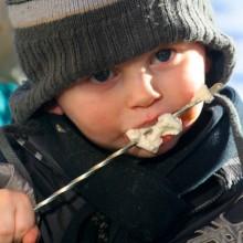 marsmellows op een kindvriendelijke vakantieadresjes met kinderopvang Jonge Gezinnenweek wintersport in de Berghut Rauris Oostenrijk