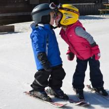 vind jou lief op een kindvriendelijk vakantieadresje met kleine kinderen kinderopvang Jonge Gezinnenweek wintersport in de Berghut Rauris Oostenrijk sneeuw