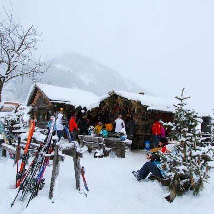apres ski Rauris Salzburgerland Oostenrijk Zell am See dorp Hohe Tauern bergen vakantieadresje in hotel pension de Berghut Rauris Oostenrijk