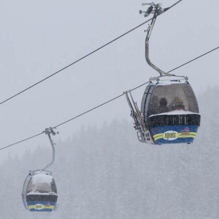 skilift Rauris Salzburgerland Oostenrijk Zell am See dorp Hohe Tauern bergen vakantieadresje in hotel pension de Berghut Rauris Oostenrijk