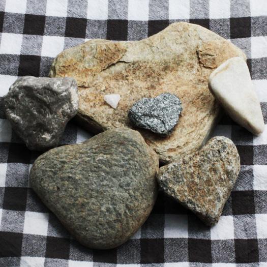 stenen hartjes - hartjeszomer de Berghut