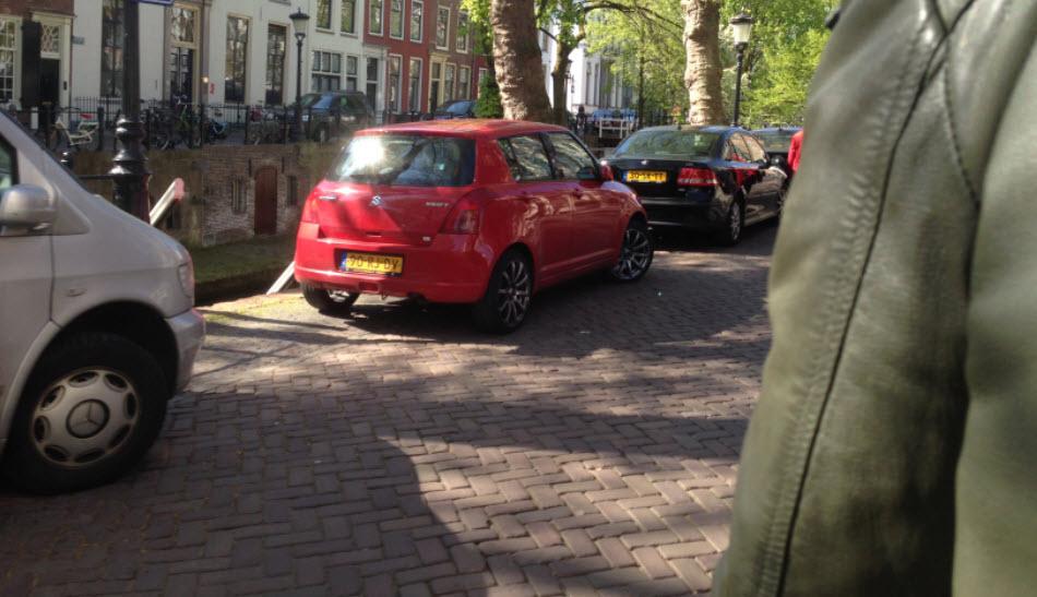 achterop de fiets door Utrecht