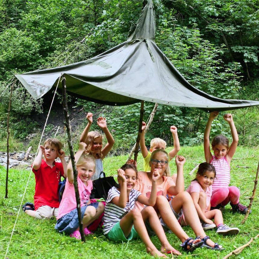 zomer in de Berghut.com actieve vakantie met kinderen in Oostenrijk kleinschalige accomodatie hut