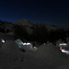 IgloExperience in de Berghut.com iglo's bouwen met ondernemers