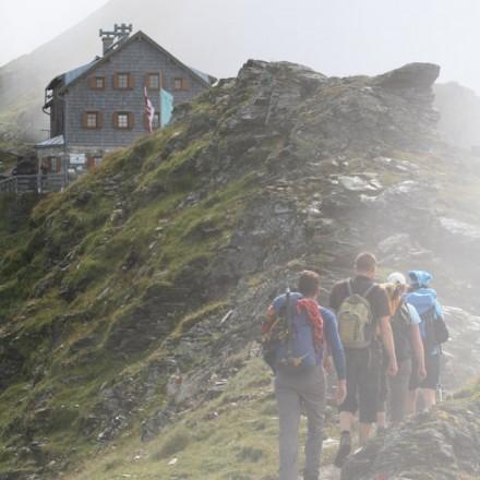 teambuilding in de bergen Oostenrijk huttentocht maken