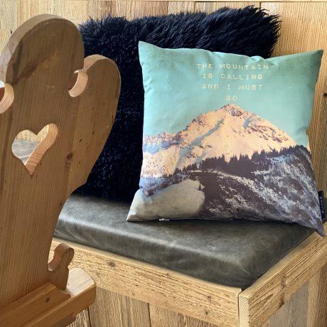 Appartementen de Berghut kindvriendelijk berg kussen GipfelGlück Rauris Oostenrijk chaletstijl berghutsfeer alpenstijl