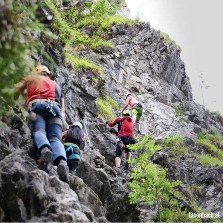 Kitzlochklamm Klimmen Raurisertal de Berghut.com zomervakantie kindvriendelijk fakkelwandeling Oostenrijk