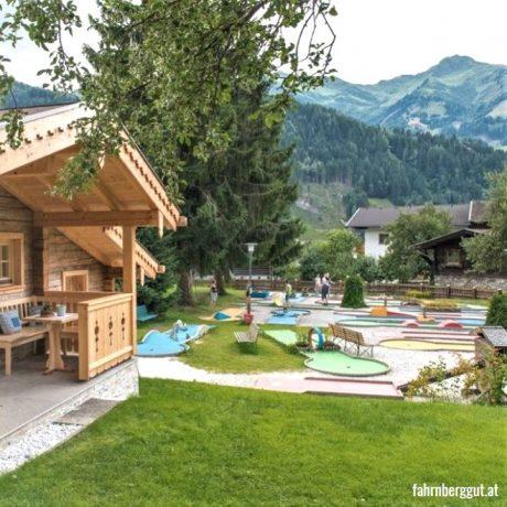 de Berghut appartementen zomervakantie kindvriendelijk vakantiewoningen Rauris Oostenrijk Salzburgerland Midgetgolf